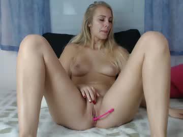 blondyelena chaturbate